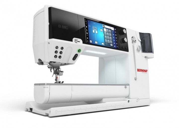 BERNINA 880 mit Stickmodul  BERNINA  NÄHMASCHINEN