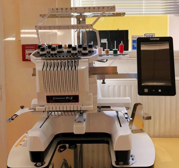 BROTHER PR 1050x - Stickmaschine mit 10 Nadeln Ausstellungsgerät